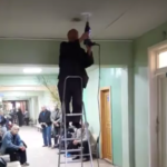 В городской больнице №6 в Твери пациентов забросало штукатуркой от проходящего прямо во время приёма ремонта