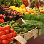 Минимальная продуктовая корзина в РФ с начала года подорожала почти на 15%