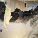 В трущобах: В Кимрах перекрытия жилого дома едва не обвалились на женщину с ребенком