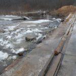 Разрушающийся мост грозит бедой жителям деревни под Кимрами