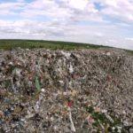 В Кимрах некому убирать мусор: «Экоспецтранс» отказался работать себе в убыток