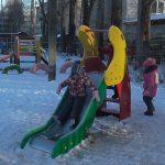 Вышний Волочек: депутаты КПРФ помогли сделать детскому саду современную игровую площадку