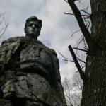 Олег Дубов против братских могил? В Оленино воинское захоронение внезапно хотели перенести из одной деревни в другую