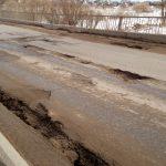 В Ржеве разваливается по швам 80-метровый мост через Лочу