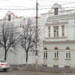 В Твери рушится фасад здания на улице Новоторжской — объекта культурного наследия