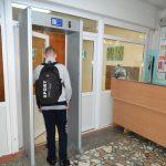 Школы Тверской области беззащитны перед хулиганами и преступниками, но на надежную охрану нет денег. Видео драки в В.Волочке