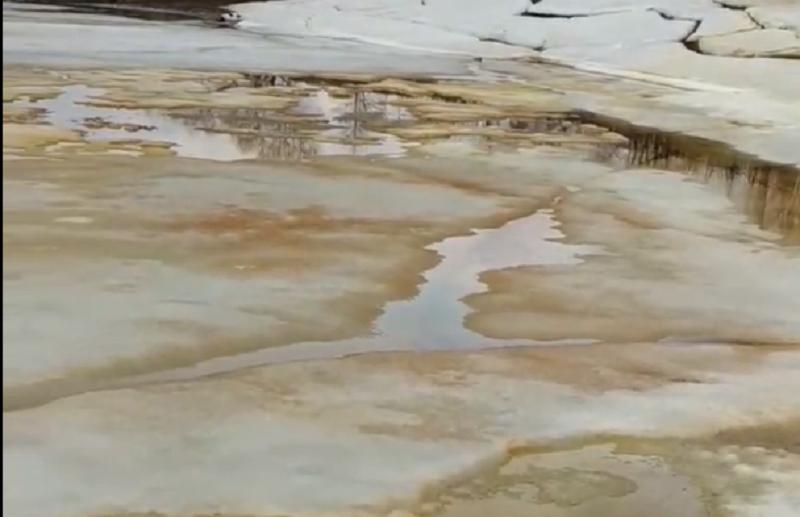 Поселку Южный города Кимры грозит экологическая катастрофа из-за разлива солярки?