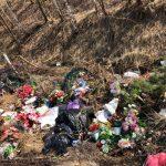 Крупнейшее городское кладбище Твери в преддверии Пасхи превратили в помойку