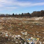 Недалеко от реки Медведица в Тверской области вырос новый несанкционированный мусорный полигон