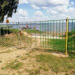 Весьегонск: пляж — за забором. Жители – против!