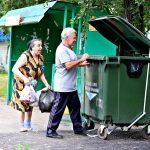 Одинаковый тариф на вывоз мусора – вне закона. Это доказала в суде 90-летняя пенсионерка из Чувашии. Теперь остаётся ждать прецедентов везде, в том числе в Тверском регионе