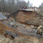 Смытые дороги и затопленные мосты… Паводок отрезал от мира ряд населённых пунктов в Тверской области