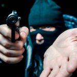 Кражи, мошенничества и торговля наркотиками: в Тверской области растет количество преступлений
