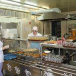 Школьный обед за 30 рублей — это позор… Когда детей в школах Твери станут кормить лучше?