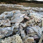 Завалы мусора у братского кладбища и жуткие дороги. Вести из Торопца