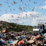 Правительство Тверской области под шумок коронавируса решило протолкнуть новую схему мусорных полигонов. Гражданские активисты и депутаты на местах бьют тревогу. Впереди нас ждёт новый этап «мусорных» протестов?
