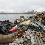 SOS! Незаконная свалка под Тверью грозит убить популярный среди рыбаков водоём и всех его обитателей