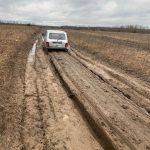 Дорога, которой нет? Как добираются люди до деревни Голузино в Кимрском районе