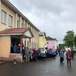 Ржевские чиновники несмотря на ограничительные меры организовали массовое мероприятия по поводу оплаты ржавой воды