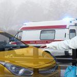 В Твери скорая не поделила дорогу с такси. Видео