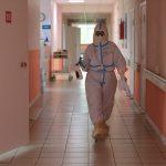 Тестов нет, но вы держитесь: пациенты COVID-центра в Твери неделями не могут дождаться сдачи анализов на коронавирус?