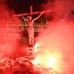 В Твери напали на Павла Крисевича, устроившего перфоманс  в образе распятого Христа у здания ФСБ