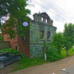 В Спирово разрушено единственное в посёлке каменное здание 19 века
