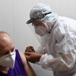 В Тверской области начинается вакцинация от коронавируса, в связи с прививкой 42 дня нельзя употреблять алкоголь