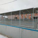 Мародёры разрушают хоккейный корт в Калининском районе