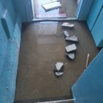В Кимрах подъезд многоквартирного дома затопило нечистотами