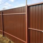Жителей Тверской области будут штрафовать за неправильные заборы на дачах