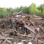 В Оленинском округе ликвидировали несанкционированную свалку, но только на бумаге. На деле помойка продолжает расти