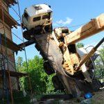В Нелидово строительный кран повредил храм