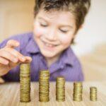 Произошли изменения в выплатах на детей и оплате больничного по уходу за ребёнком