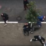 В центре Твери произошло побоище фанатов «Спартака» и «Зенита», у одного из пострадавших сломан позвоночник (видео)